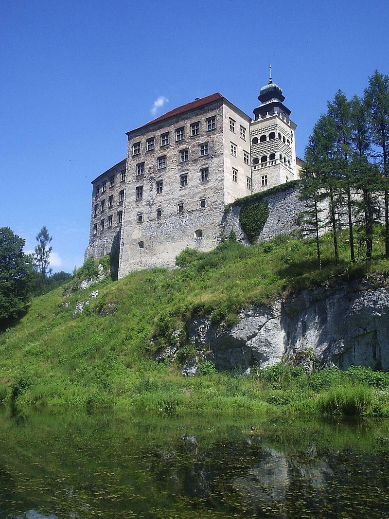 Zamek w Pieskowej Skale/ Wikimedia