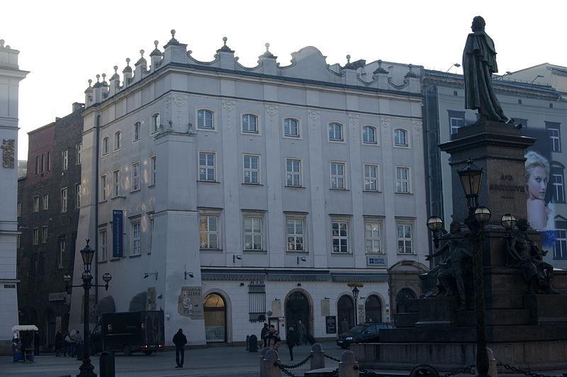 800px-szara_grey_house_6_main_market_squareold_town_krakowpoland